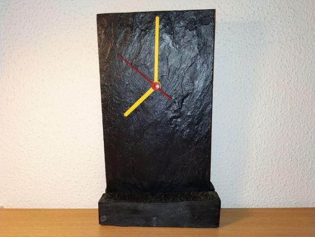 Relógio em Xisto