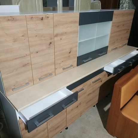 Кухні,дивани,уголки шафи купе