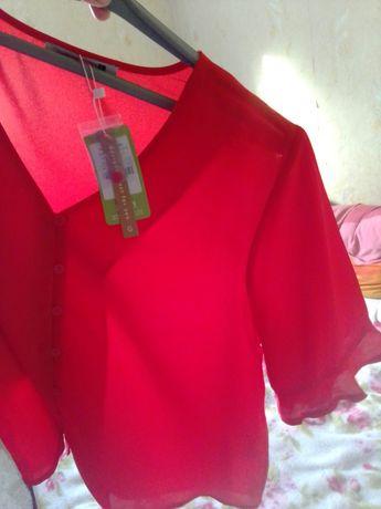 Блуза ярко-красная