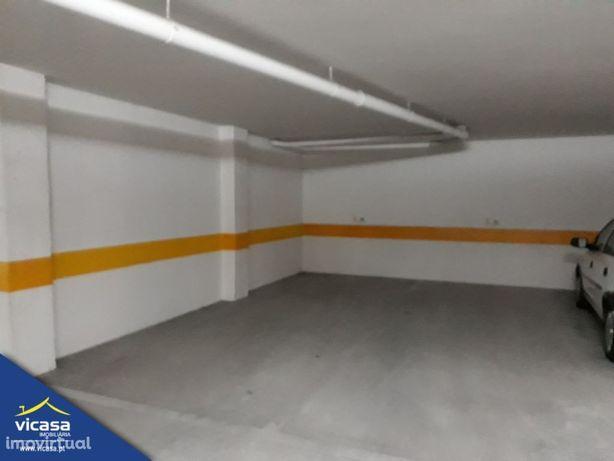 Lugar de Garagem - Monserrate