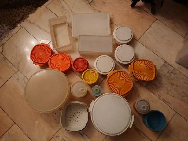 Vendo Tupperware de vários tamanhos e cores