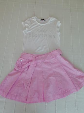 Conj FLORIANI  t-shirt branca com brilhantes saia rosa bolsinho bordad