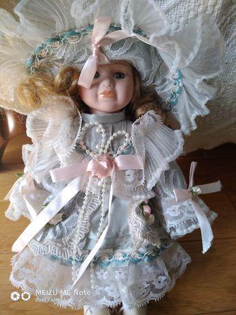 Lalka porcelanowa
