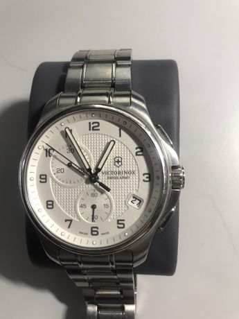 Часы Victorinox Swiss Army 241554