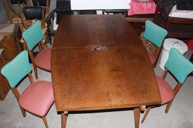 mesa de sala de jantar e 4 cadeiras