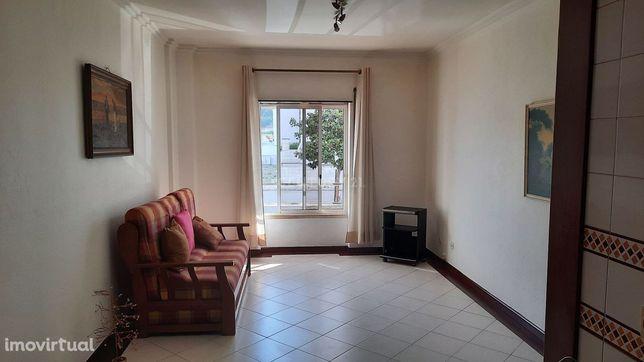 Apartamento T1 para arrendar na Costa da Caparica