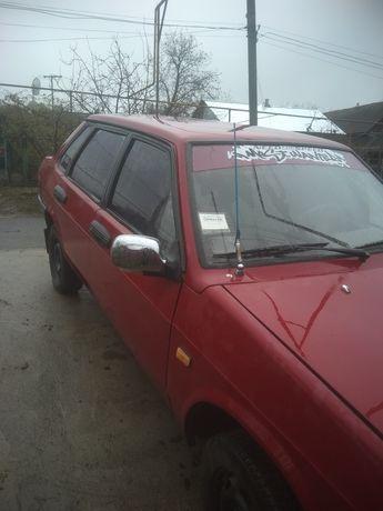 Автомобиль ВАЗ-21099
