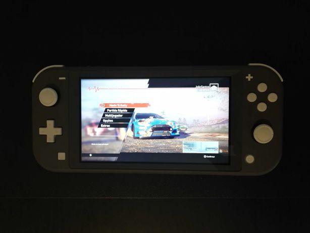 Nintendo Switch Lite (2 jogos incluídos)