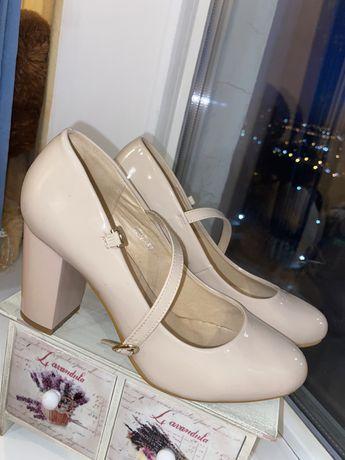 Стильные туфли 37 размер