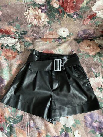 Кожаные шорты Zara