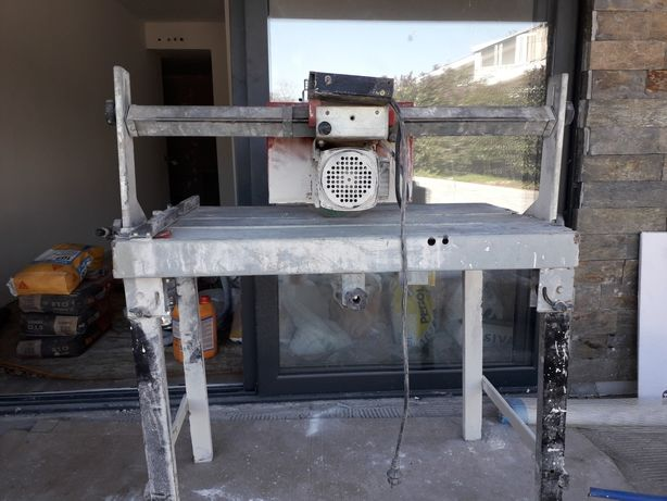 Máquina corte cerâmica água