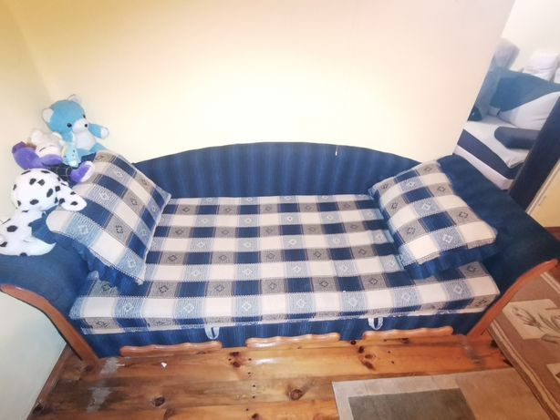Kanapa 3-osobowa +2 poduszki ozdobne