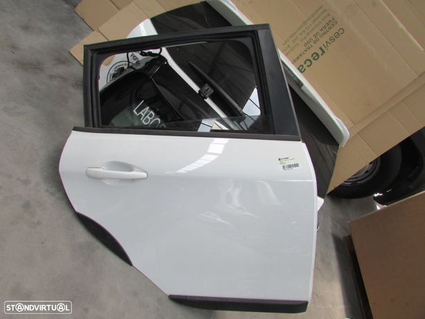 Porta Tras Direita Peugeot 2008 do ano 2013