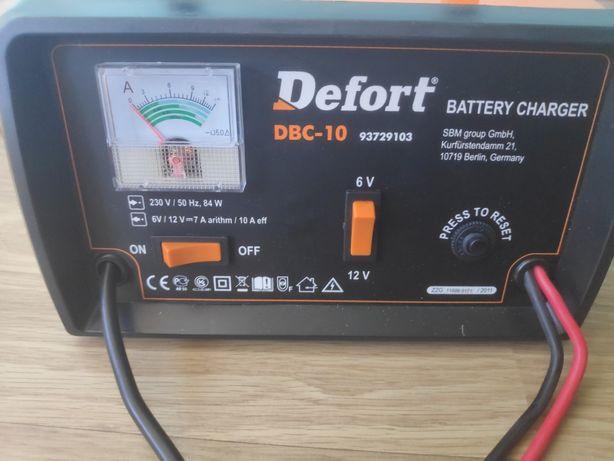 Зарядний пристрій Defort DBC-10