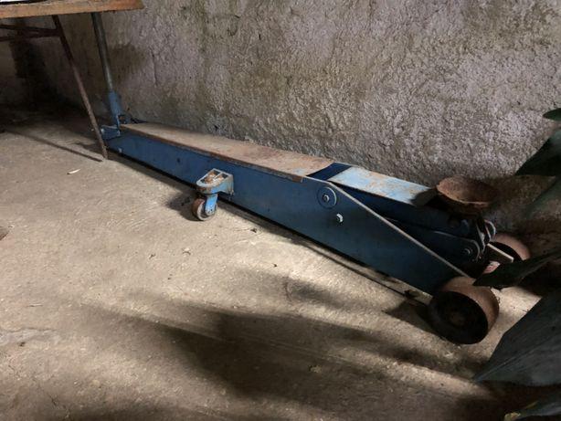 Macaco hidráulico de rodas OMCN 32TON