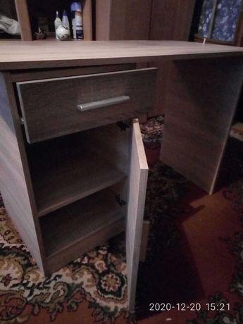 Продам письменный стол для работы