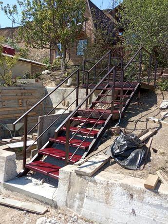 Лестницы, ограничения балкона, нержавеющие и черные