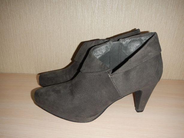 Ботильоны Clarks р.39 ботинки,туфли кожаные