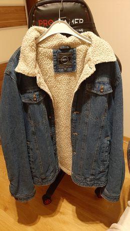 Jeansowa kurtka z kożuchem