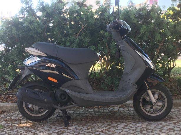 Scooter Piaggio Zip 100