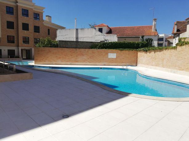 Apartamento T2 para Férias com Piscina e Garagem São Martinho do Porto