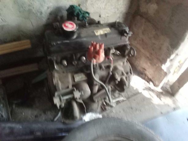 Разборка Рено 19 двигатель стартер коробка и тд.