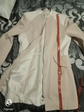 Płaszcz wiosenny rozmiar 40