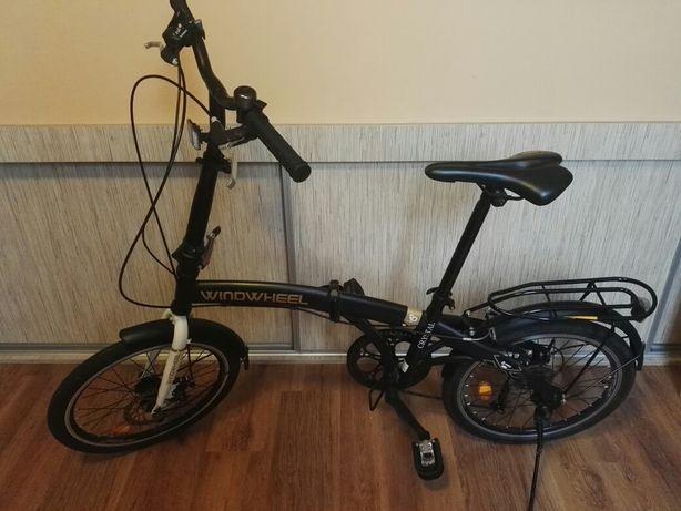 Rower składany z przerzutkami.