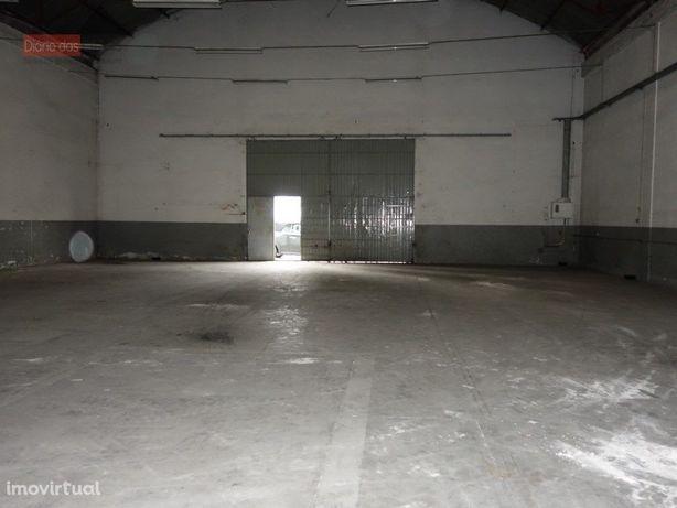 Armazém c/ 300 m2 Estrada de Eiras