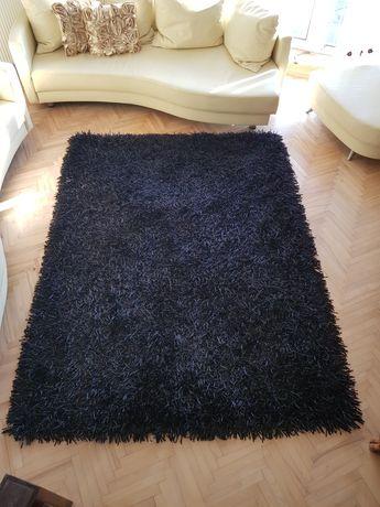 Dywan czarny długowłosy
