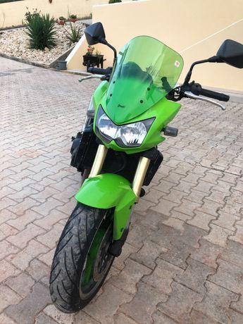 Mota Kawasaki Z1000