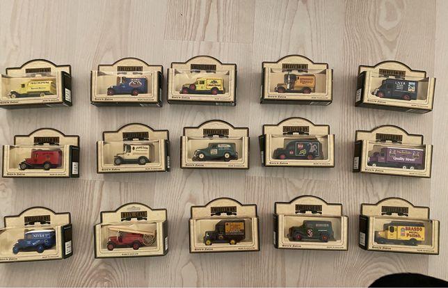 Coleção de 15 Carrinhas de Distribuição Miniatura