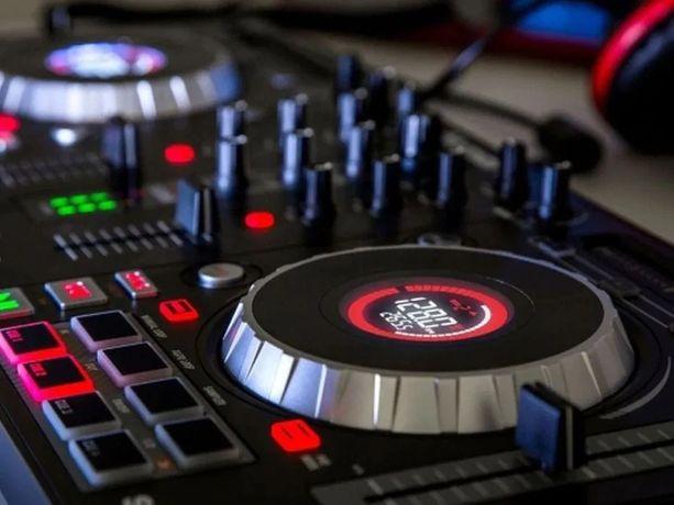 Контроллер Dj NUMARK Mixtrack Platinum.