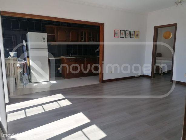 Apartamento T2 com lugar garagem | Praia Costa Nova