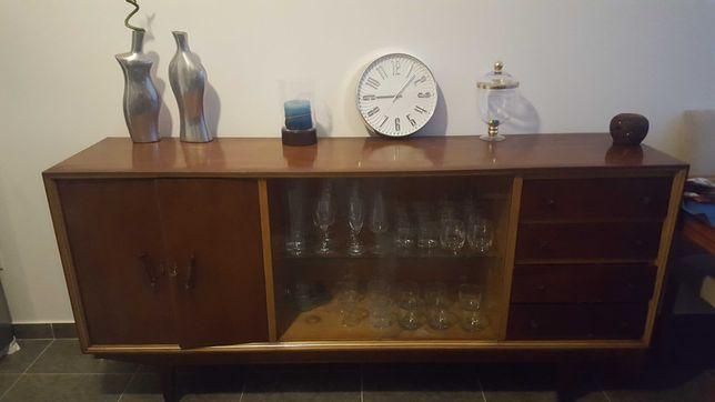 Móvel aparador vintage