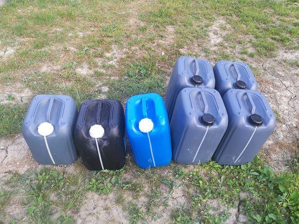 Kanister na deszczówkę, pojemnik plastikowy, baniak, beczka