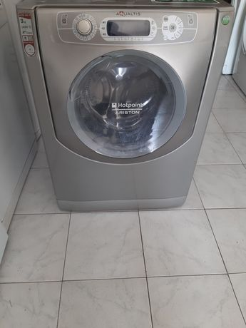 Máquina de lavar roupa Hotpoint 9kg