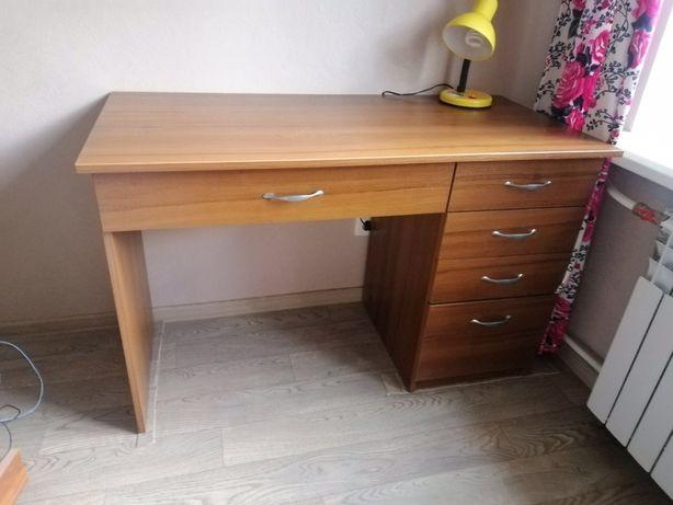 Продам компьютерный стол и полку