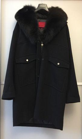 Moncler. Тёплое пальто с меховым воротником. Оригинал. Италия. Новое