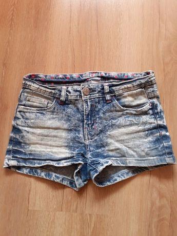 Krórkie spodenki jeansowe 146