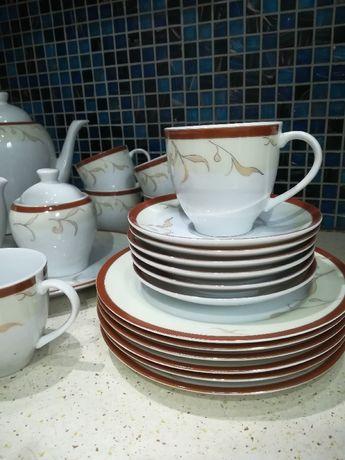 Zestaw do kawy i herbaty z polskiej porcelany Waza.dla 6 osob