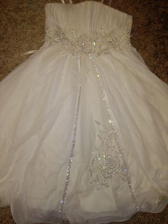 Белое нарядное пышное платье на утренник Новый Год выпускной 6-10 л