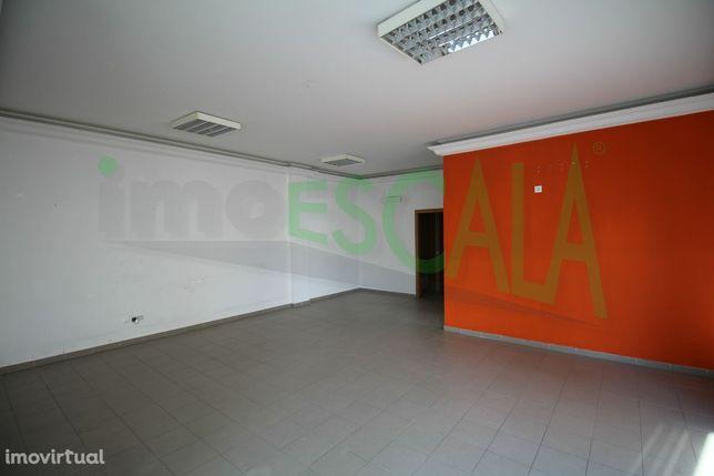 Loja, 79 m², Cartaxo e Vale da Pinta