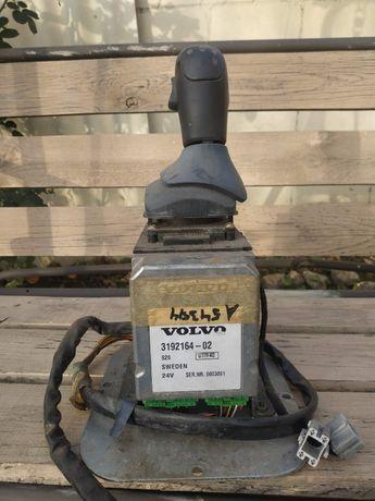 Рычаг АКПП 1521683LHD в сборе с блоком VOLVO FH FM 3192164-02