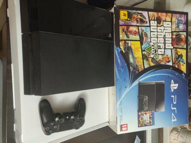 Playstation 4 (PS4) 500 gb + pad