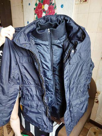 Качественная,стильная,демисезонная курточка/размер XL//