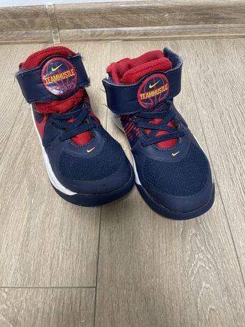 Кроссовки , ботинки , nike оригинал , размер 28