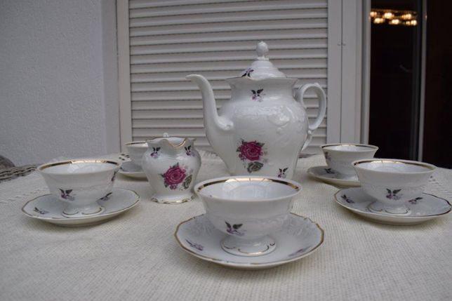Serwis kawowy porcelanowy z Wałbrzycha