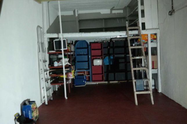 Garagem (box) c/ mezannine