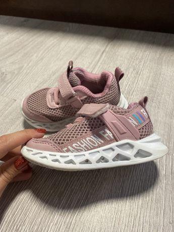 Продам кроссовки вессене-летние детские 23 р-р